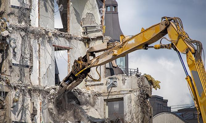 Un spécialiste de la déconstruction